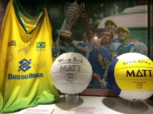 A seleção de vôlei do Brasil ganhou em Barcelona nas olimpíadas de 92.