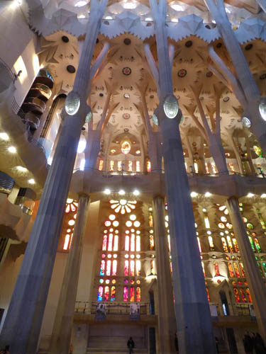 sagrada_familia_dentro