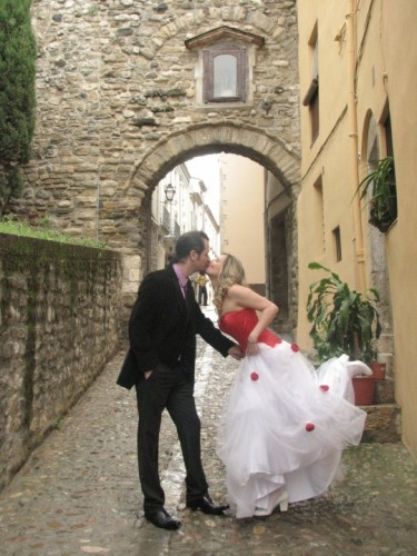 Eu e David no nosso casamento em Besalú.