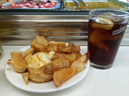Patatas Bravas e Vermut
