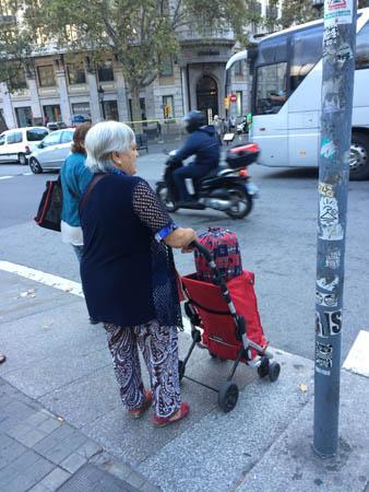 idosa-carrinho-compra