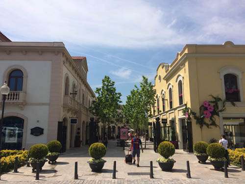 la_roca_village