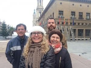 Eu, meus pais e David... Quase congelando em Zaragoza. rs