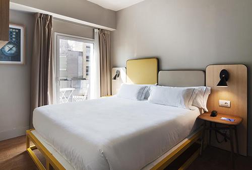 hoteloneshot