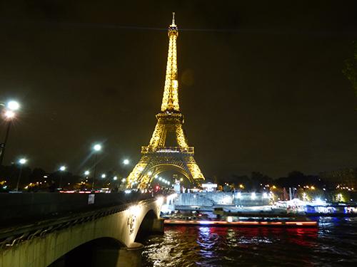 torre-eiffel-noite
