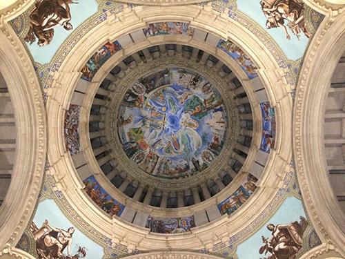 Pintura da cúpula do museu.