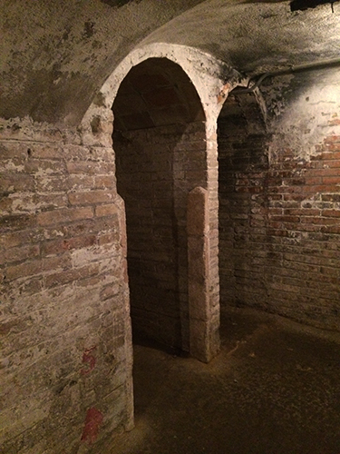 Entrada para os banheiros do refugio 307