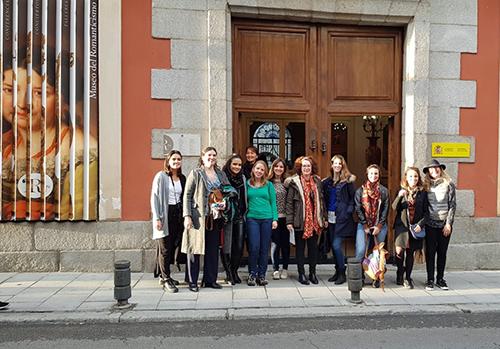Foto na saída do museu do romantismo.