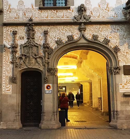 Porta modernista Barcelona