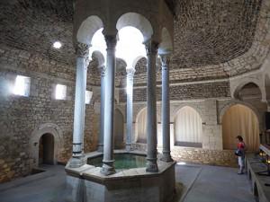 Interior dos banhos árabes