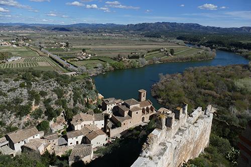 muralha-castelo-miravet
